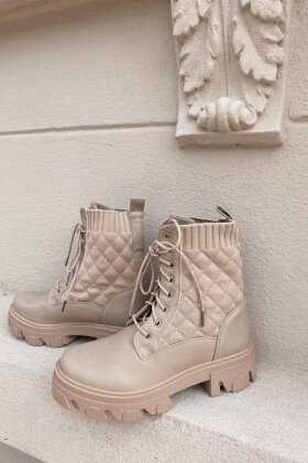NDP - Quilt Boot 9390